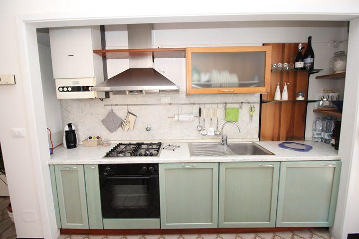 Cassettiera Camera Letto : Vendo cucina completa escluso frigorifero armadio e cassettiera